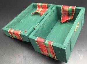 DIY Gift Box - Box with ribbon overlapping
