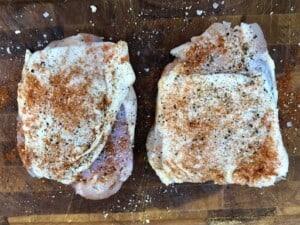 Umami chicken thighs - Simple seasoning (Photo by Erich Boenzli)