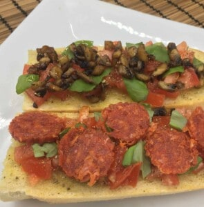 French Bread Pizza - Adding Toppings (Photo by Viana Boenzli)