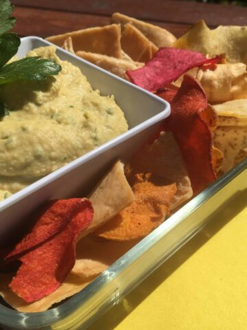 How to make Hummus (Photo by Viana Boenzli)