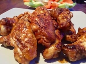 Charcoal Grilled Chicken Wings (Photo by Viana Boenzli)