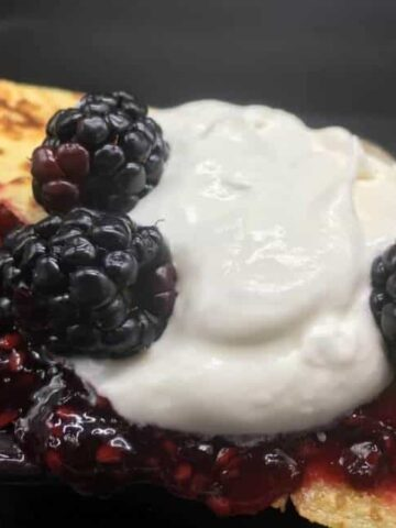 Crepes - Blackberry Mint with Blue Cheese Crêpe (Photo by Viana Boenzli)