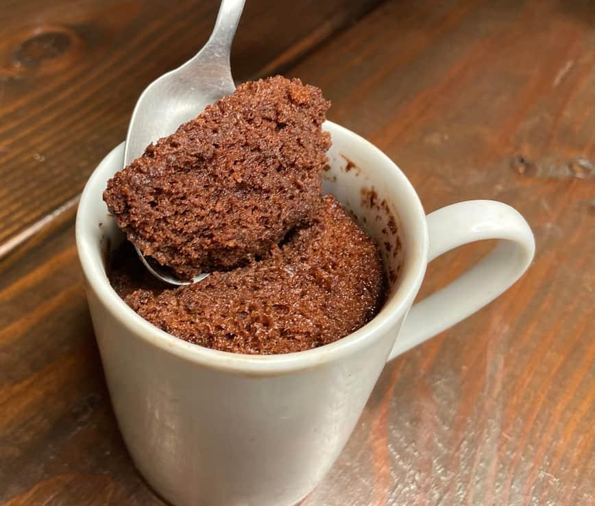 Chocolate Cake in a Mug (Photo by Viana Boenzli)