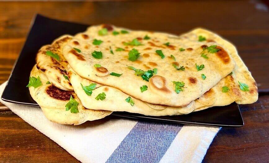 Naan Bread Recipe (Photo by Viana Boenzli)