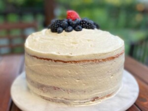 Berry Chantilly Cake (Photo by Viana Boenzli)
