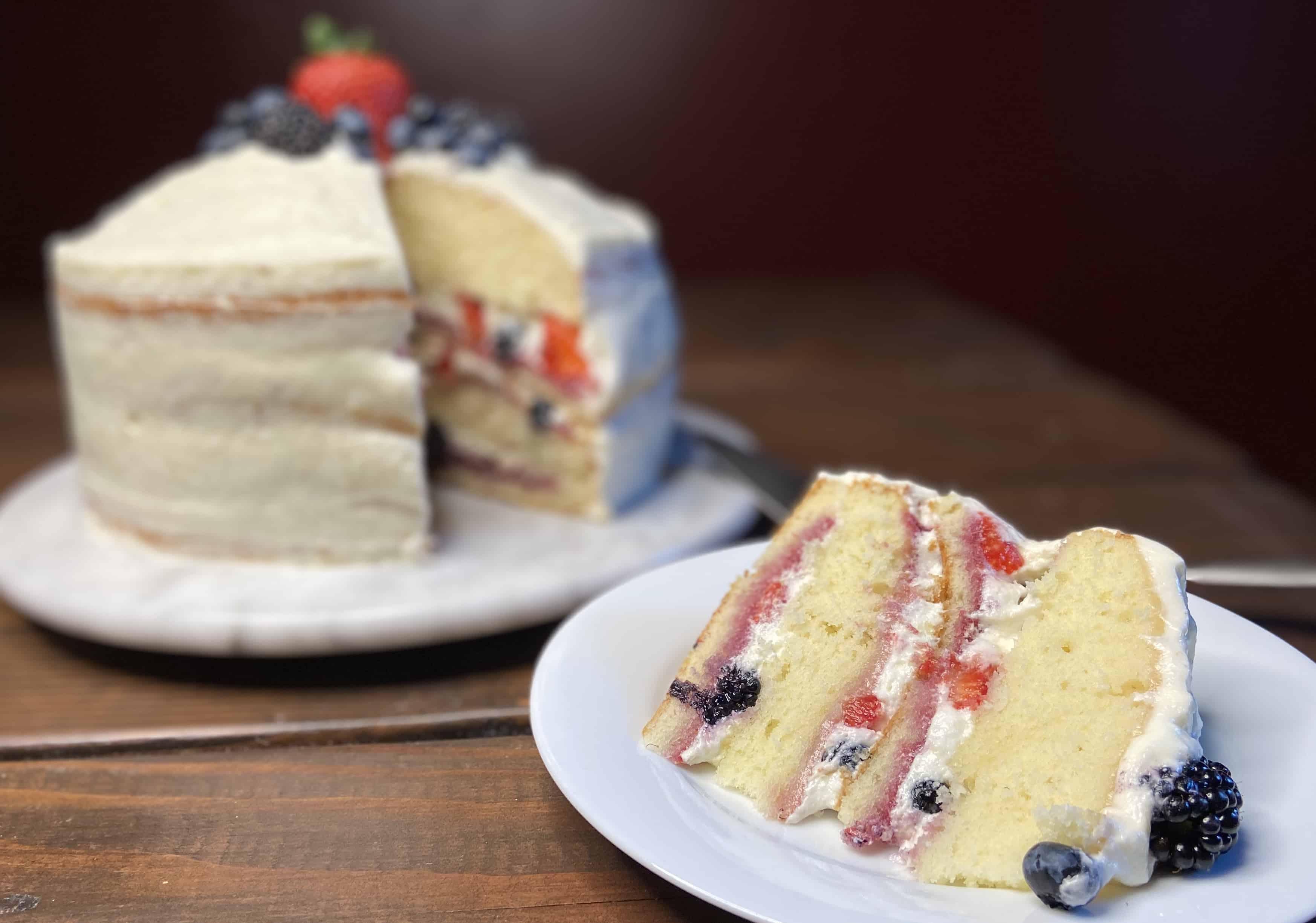 Berry Chantilly Cake - sliced (Photo by Viana Boenzli)
