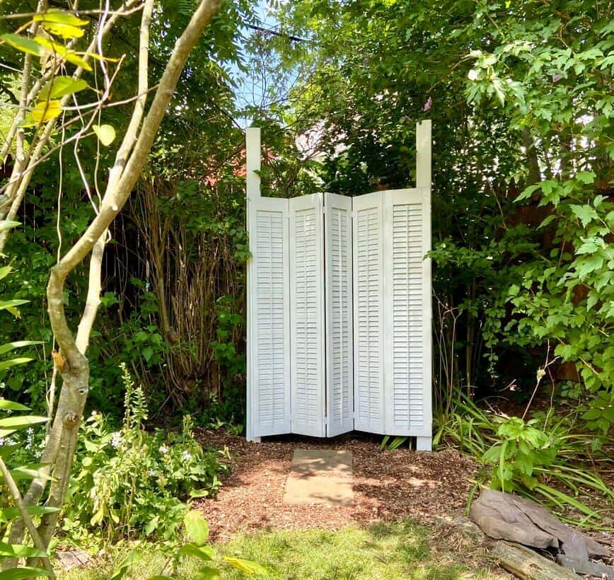 Garden Decor - finished shutters (Photo by Viana Boenzli)