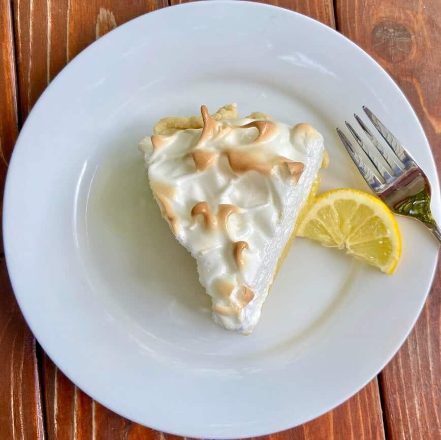 Lemon Meringue Pie Recipe(Photo by Viana Boenzli)