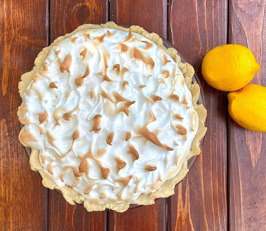 Lemon Meringue Pie Recipe (Photo by Viana Boenzli)