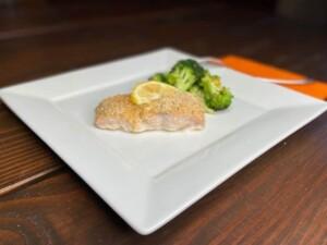 Oven Baked Salmon (Photo by Viana Boenzli)