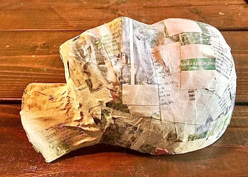How to make a paper mache mask - Back side cut flat (Photo by Viana Boenzli)