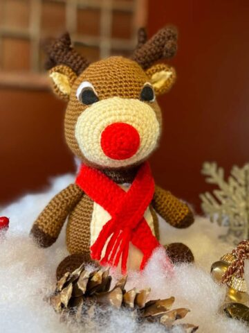 Rudolph the Red Nosed Reindeer Free Crochet Pattern (Photo by Viana Boenzli)