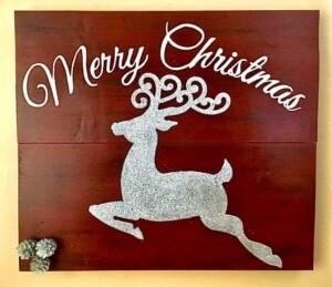 Shabby Chic Christmas Sign (Photo by Viana Boenzli)