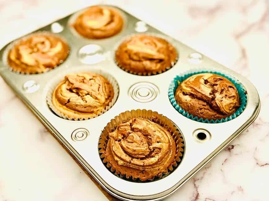 Chocolate Peanut Butter Cupcakes (Photo by Viana Boenzli)