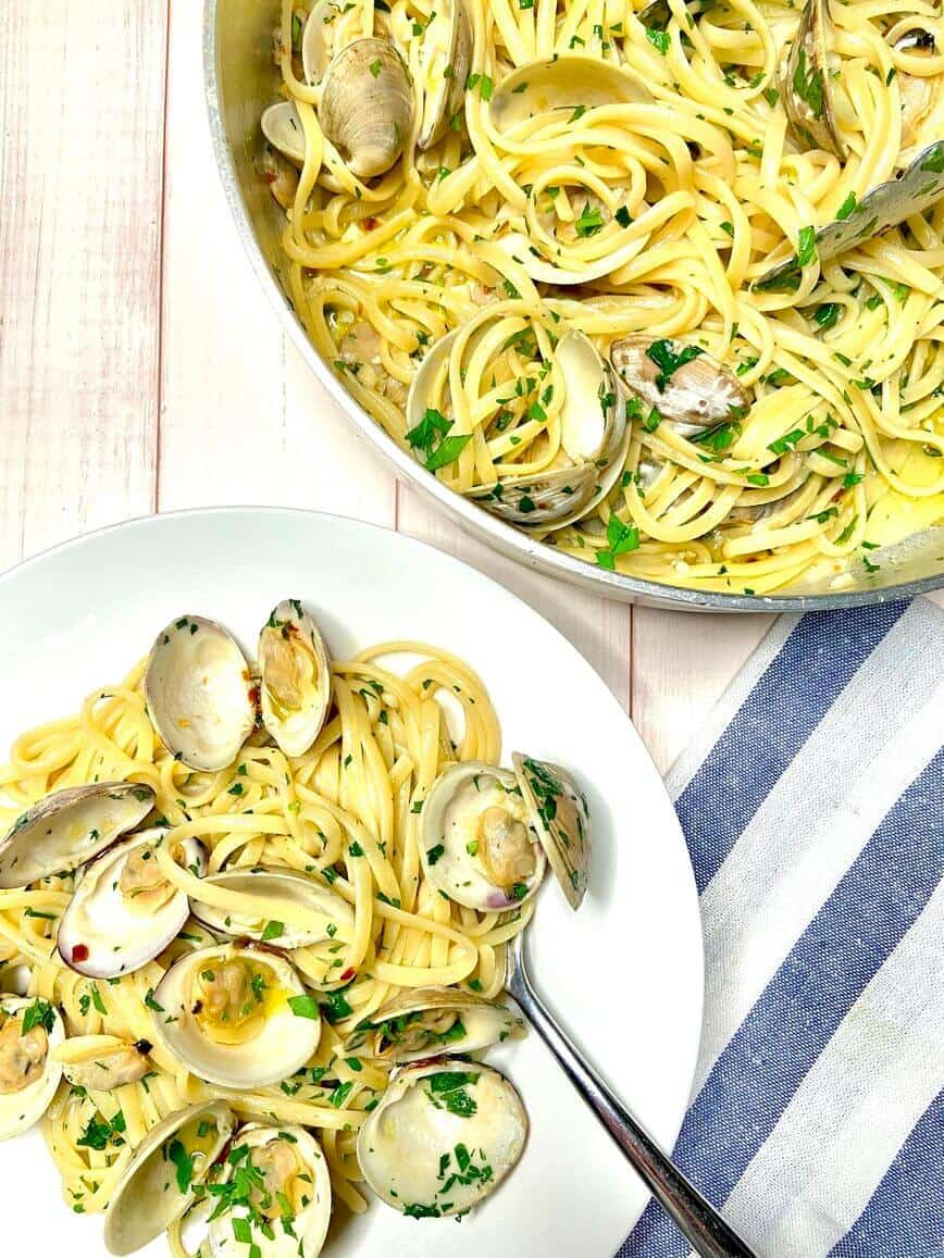 Linguine with Clams (Photo by Viana Boenzli)