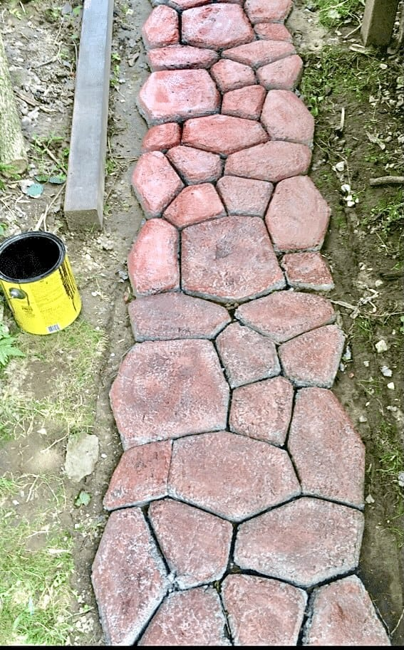 Faux Stone Path - Staining before & after (Photo by Viana Boenzli)
