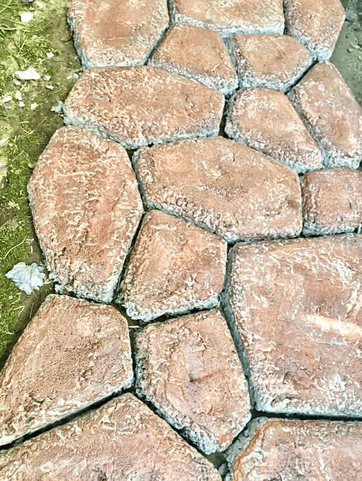 Faux Stone Path - Staining concrete (Photo by Viana Boenzli)