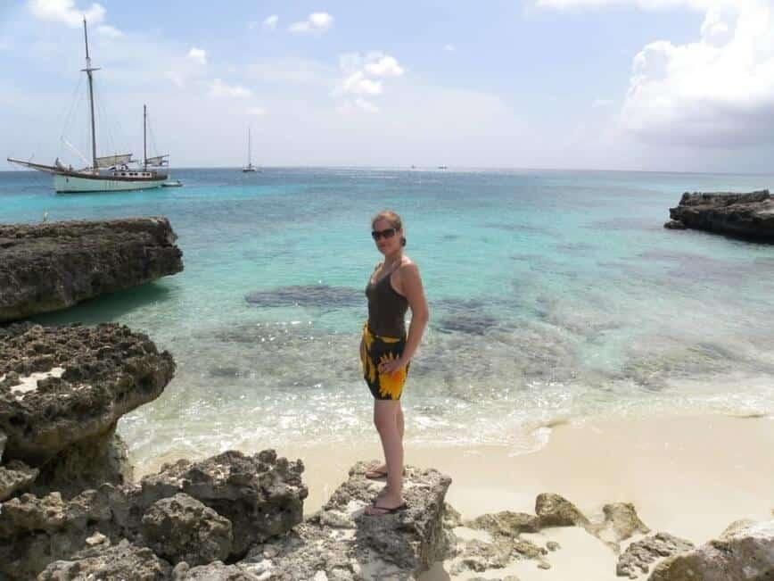 Beach Sand - Viana on the beach in Aruba (Photo by Erich Boenzli)