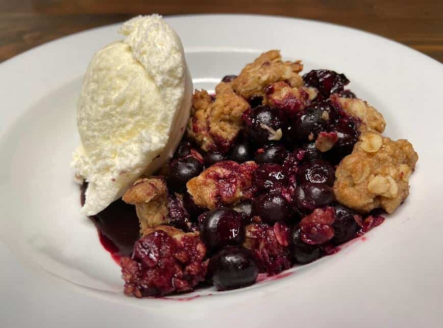 Blueberry Crisp - Perfect with ice cream! (Photo by Viana Boenzli)