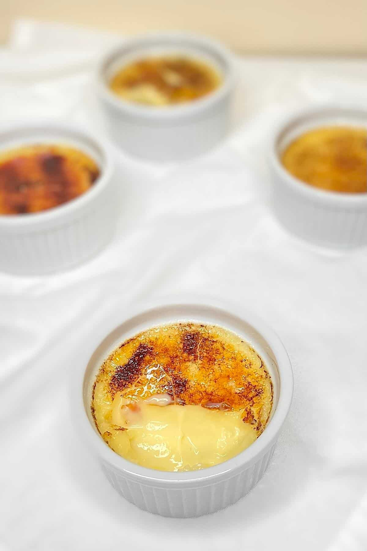Creme brulee (Photo by Viana Boenzli)