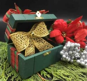 Gift Box (Photo by Viana Boenzli)