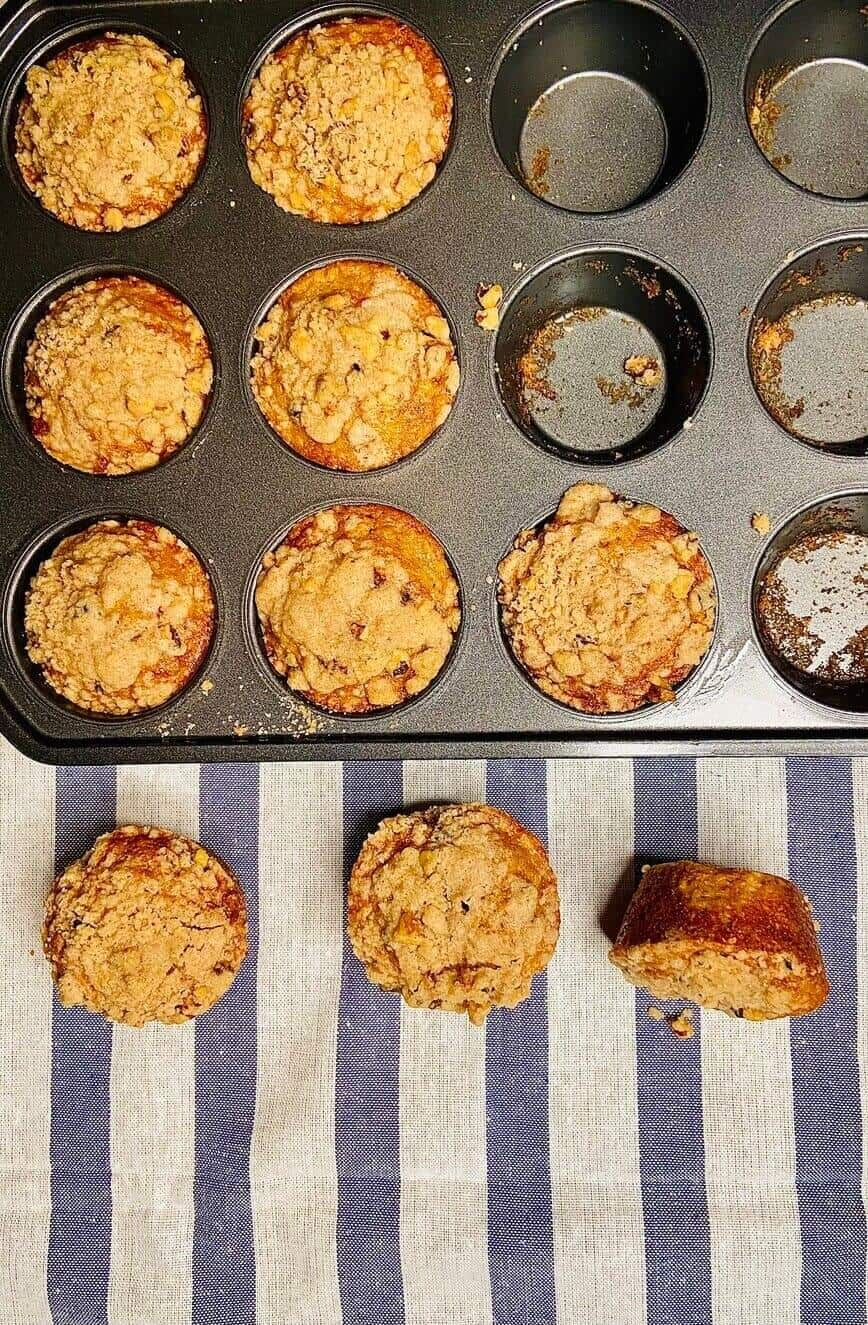 Apple Cider Muffins with Cinnamon Streusel (Photo by Viana Boenzli)