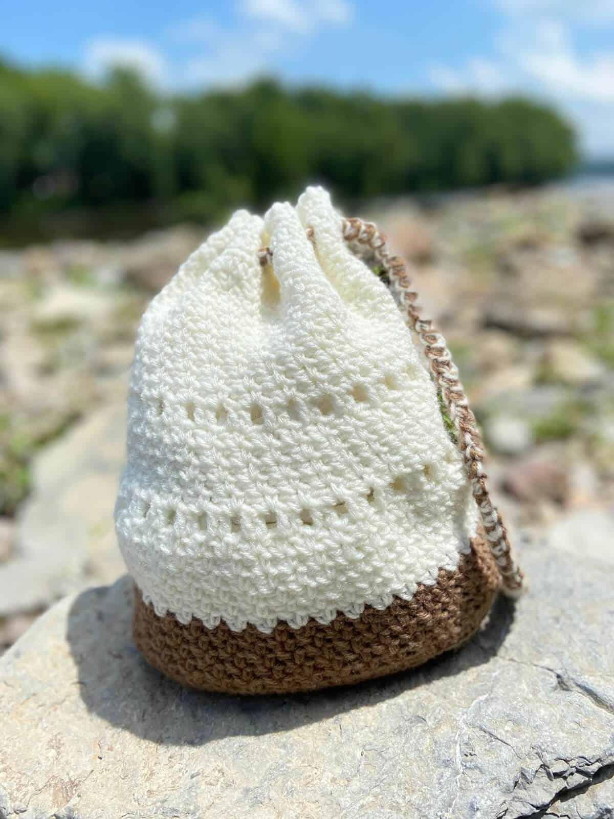 Crochet Drawstring Bag (Photo by Viana Boenzli)